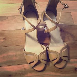 Like new Nine West leather wedge sandals